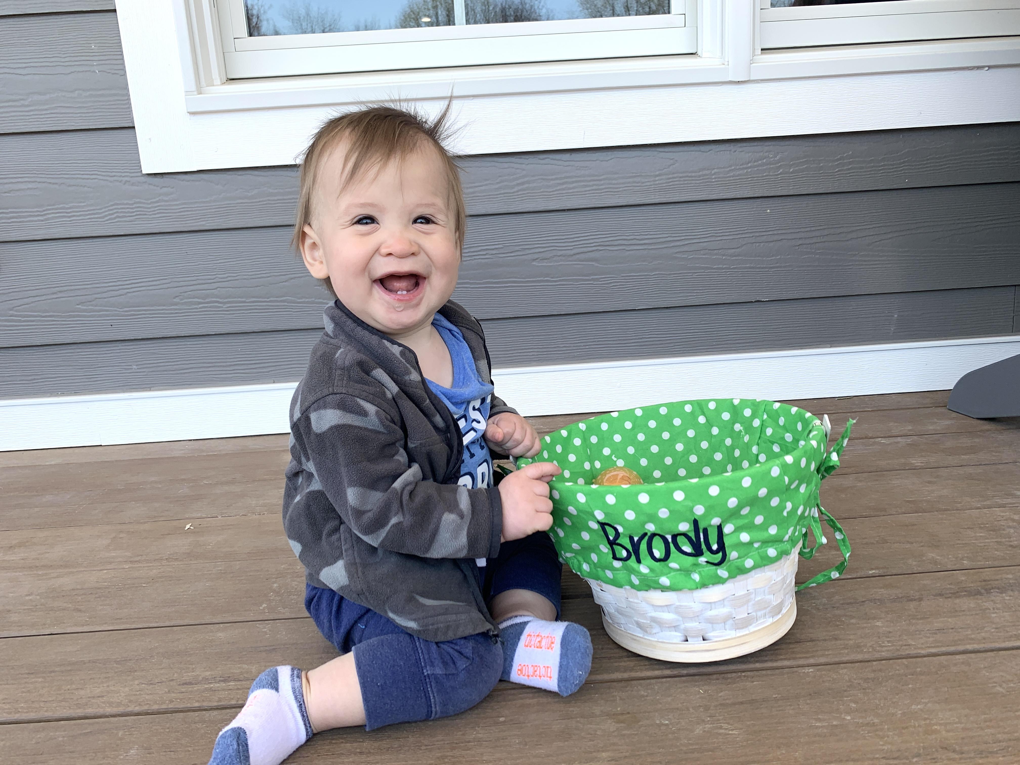 Easter-egghuntBro